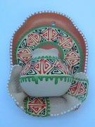"""Сувенирная глиняная тарелочка ручной работы """"Большой кувшин"""" в ассортименте белый"""