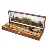 Кубачинский подарочный набор в футляре (серебряный кинжал, 2 бычьих рога) арт.3556