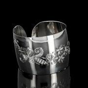 Серебряный кубачинский браслет белый №87