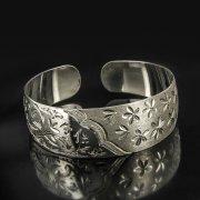 Серебряный кубачинский браслет с гравировкой арт.4004