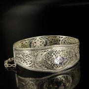Кубачинский серебряный браслет с филигранью (камень - кварц) арт.6343
