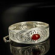 Кубачинский серебряный браслет с филигранью (камень - агат) арт.6345