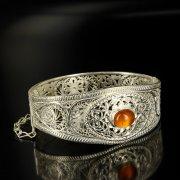 Кубачинский серебряный браслет с филигранью (камень - сердолик) арт.6347