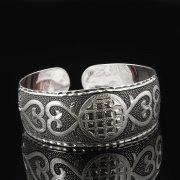 Серебряный кубачинский браслет с гравировкой арт.7673