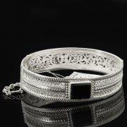Кубачинский серебряный браслет с филигранью (камень - агат) арт.8113