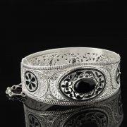 Кубачинский серебряный браслет с филигранью (камень - агат) арт.8115