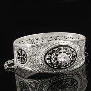 Кубачинский серебряный браслет с филигранью (камень - циркон) арт.8117
