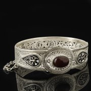Кубачинский серебряный браслет с филигранью (камень - агат) арт.8118
