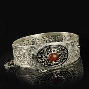 Кубачинский серебряный браслет с филигранью (камень - агат) арт.9479