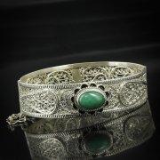 Кубачинский серебряный браслет с филигранью (камень - авантюрин) арт.5612