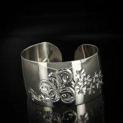 Серебряный кубачинский браслет белый арт.5800