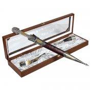 Кубачинский подарочный набор в футляре (кинжал с серебр. вставками и 2 бычьих рога) арт.5387