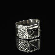 Кубачинское серебряное кольцо-печатка с чернением ручной работы арт.8606