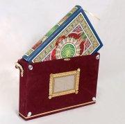 Футляр для Корана деревянный с красным велюровым покрытием