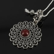 Кубачинский серебряный кулон ручной работы (камень - сердолик) арт.7857