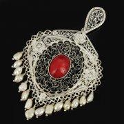 Кубачинский серебряный кулон ручной работы с филигранью (жемчуг, слоновая кость, камень - яшма) арт.9475