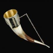 Кавказский рог бычий с медальонами (отделка - мельхиор) арт.7439