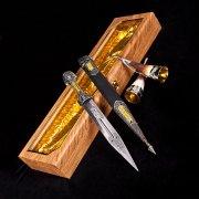 Кубачинский подарочный набор (кинжал с позолоченными вставками и 2 бычьих рога) арт.2941
